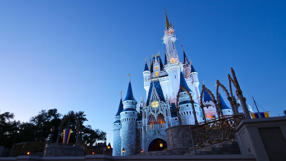 Disney PArks diptravel